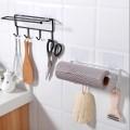 Держатель для бумажных полотенец с крючками